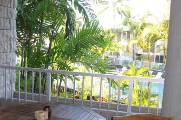 [Image: 90/1 BR Romantic, Tropical Kona Condo in a Oceanfront Complex]