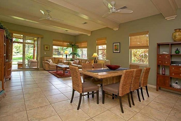 [Image: 3 Bdrm Family Vacation Home in the Heart of the Resort! 7th Night Free!]