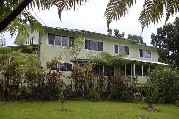 [Image: Rain Forest Hideaway, Enjoy the Country of Hilo]