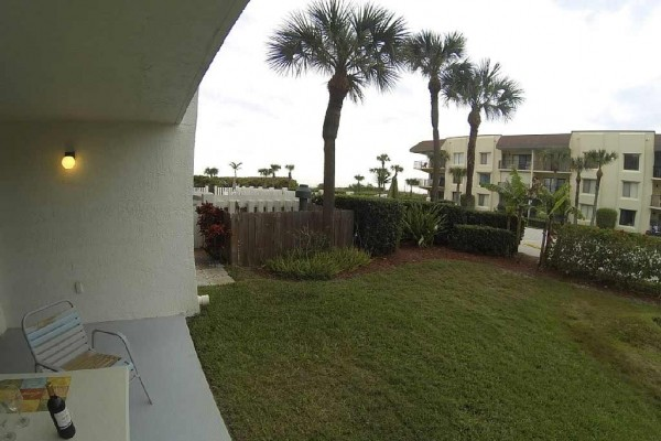[Image: Oceanfront, Ground Level, 1BR 2bath Condo Cape Winds]
