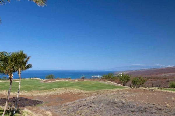 [Image: Free Night - Free Mauna Kea Resort Access - 3 BR, 3 BA Oceanview]