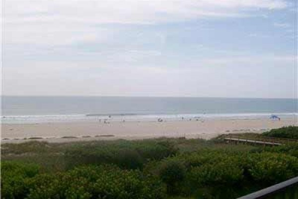 [Image: Ocean View 2BR/2BA Condo W/ Double Balcony, Pool, & Private W/D]