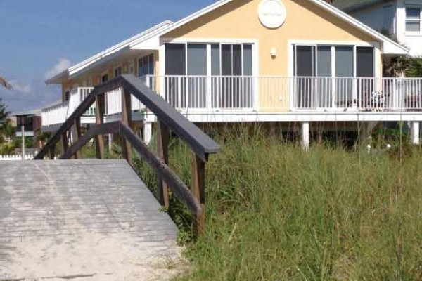 [Image: Beachfront 2 Bedroom Condo in Cape Canaveral, Fl!]