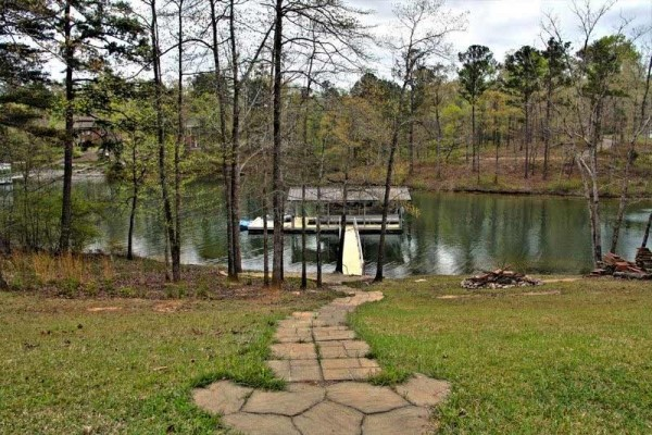 [Image: Smith Lake Rentals.Com - Heavenly Cove- Luxury Behind the Gates in Stoney Pt]