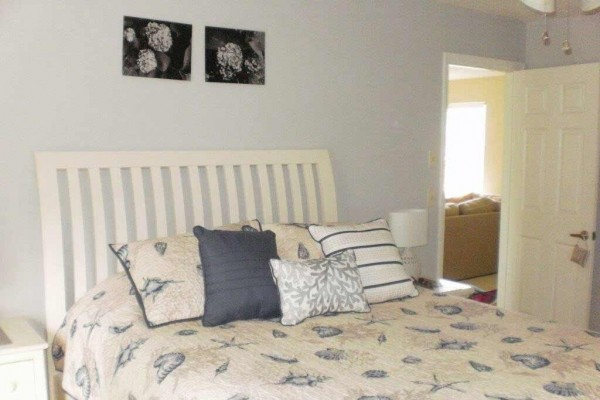 [Image: Adorable Ranch, Completely Renovated Inside, Cul-De-Sac, 3 BR 2 BA Sleeps 6-8]