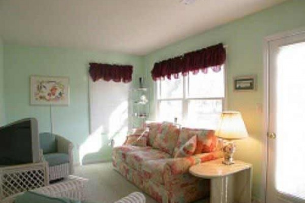 [Image: Bethany Beach, Close to Beach, Comfort of Home with Wifi, Sleeps 10]
