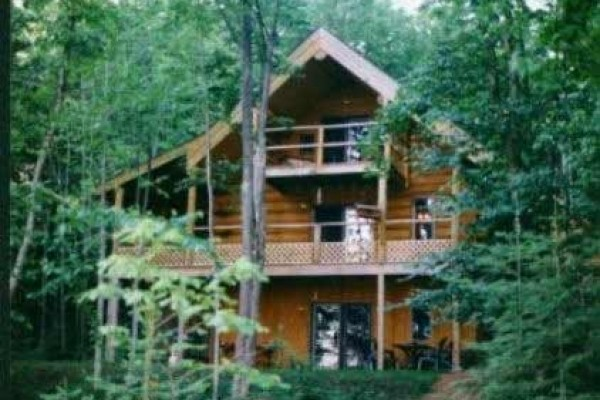 [Image: 'Aerie' Eagles Nest Lodge, Five Bedroom, Two Kitchen, Full Log Home]