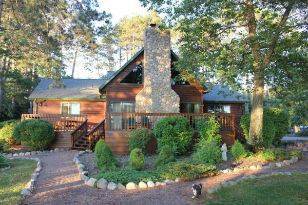 [Image: Northwoods Retreat - Main Cabin]