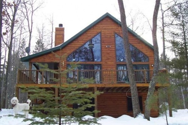 [Image: Beautiful Log Cabin on Vance Lake with Access to Sturgeon Lake]
