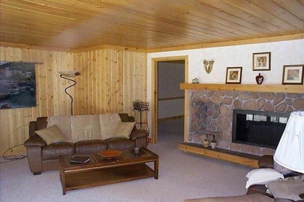 [Image: Family Retreats at Vpr-Sleeps 20, 5BR+, 3BA, 2acres, Roomy!]