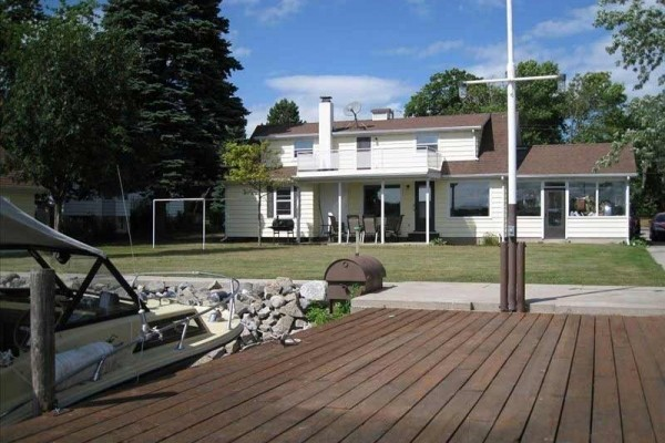 [Image: 4BR House in Sturgeon Bay, Waterfront, 2blks to Town -Available 09-2014]