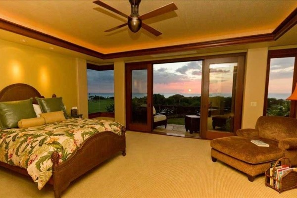 [Image: Award Winning Home-Maunakea Fairway 17 with 180º Ocean Views!]