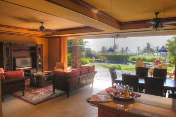 [Image: Luxury Townhome Walking Distance from Mauna Kea and Hapuna Beaches!]