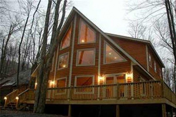 [Image: By Slopes! 3n.Mid/$745 4th Free!Spr/Sum/Fall Hike,Hottub,Wifi 5BR Sleeps 14]