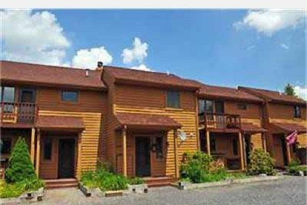 [Image: Deerfield 010: 2 BR / 2.5 BA Condo in Canaan Valley, Sleeps 6]