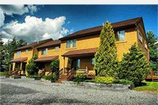 [Image: Deerfield 141: 3 BR / 3 BA Three Bedroom Condo in Canaan Valley, Sleeps 8]