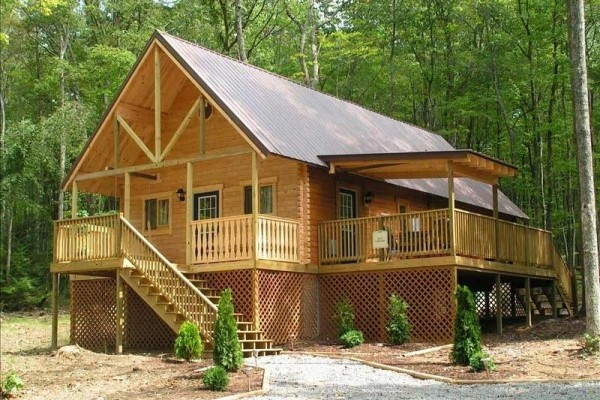 [Image: Luxury Log Cabin Nestled in Southern West Virginia Wilderness]