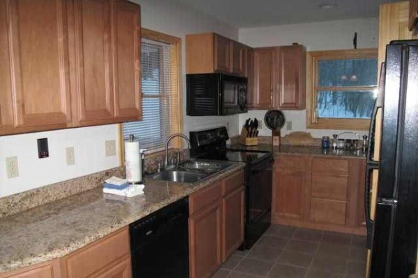 [Image: Close to Golf Course! 2 Bedroom/2 Bath W/ Hot Tub, Third Night Free]