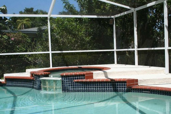 [Image: Private Pool House W/Spa-Quiet Area-Mins. from Sponge Docks-Beaches-Golf-Fishing]