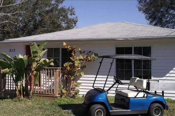[Image: Great Ozona Home, Walk to the Water, Golf Cart Community.]