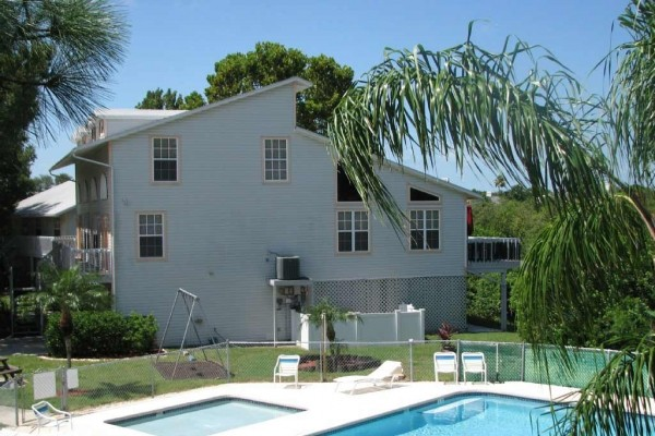 [Image: Family-Friendly Holiday House on the Pinellas Trail - Townhouse 'Paradise' French]