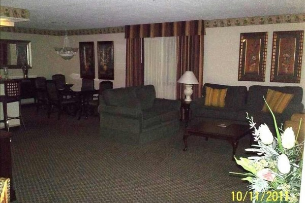 [Image: Innisbrook 2 Bed 2 Bath 2000 Sq. Ft. Fully Furnished Condo.]
