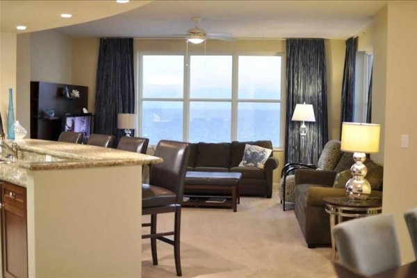 [Image: Best of the Best!! Sleeps 10!! Very Clean!! Ps3!! 52' TV!! Wifi!! Beach Chairs!!]