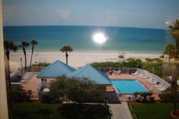 [Image: Ready for a Vacation! Sleepy Sea Turtle 2 BR/2BA Beachfront Condo for Rent!!]