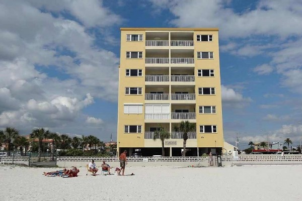 [Image: Enjoy the Gulf of Mexico from This Spacious Beachfront Condo!]
