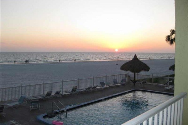 [Image: Amazing 2 Bdrm/2 Bath Beach Front Condo at Sea Oats-Free Wifi]