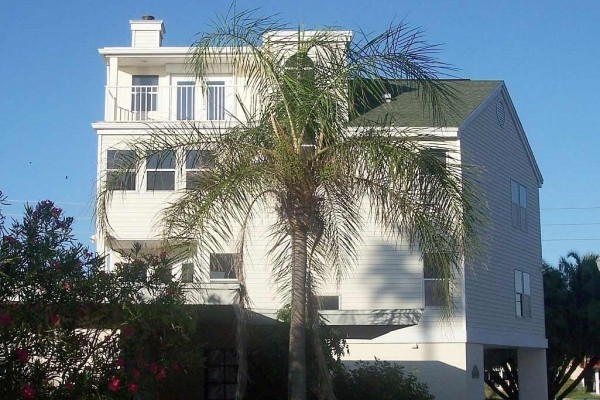 [Image: Beautifully Updated Four Story Home, Steps to the Beach, Awesome Gulf Views, Fun]