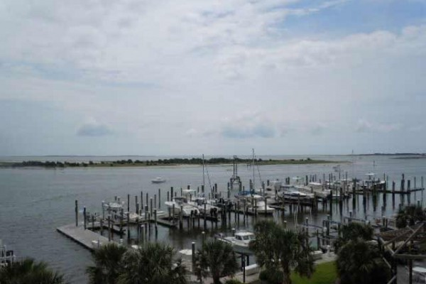 [Image: Beaufort Condo Located at Olde Towne Yacht Club]