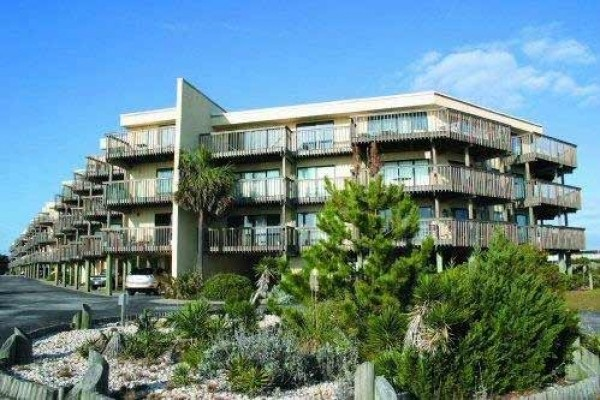 [Image: Queens Court 1202: 1 BR / 1 BA Condo in Emerald Isle, Sleeps 2]