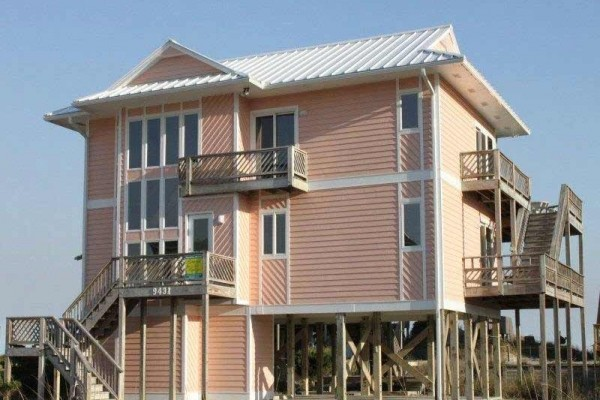 [Image: Best of Times: 5 BR / 4.5 BA Single Family in Emerald Isle, Sleeps 10]