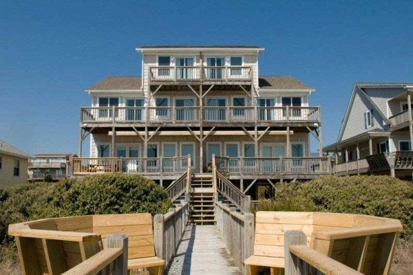 [Image: Island Time West: 4 BR / 4 BA Duplex in Emerald Isle, Sleeps 8]