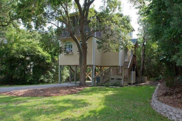 [Image: Seas the Day: 3 BR / 2.5 BA Single Family in Emerald Isle, Sleeps 6]