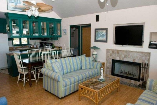 [Image: Front Row: 4 BR / 2 BA Single Family in Emerald Isle, Sleeps 8]