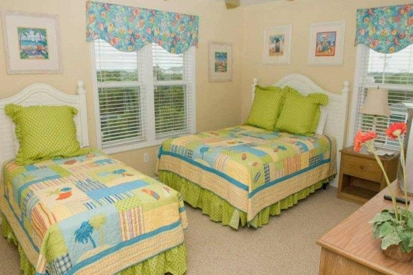 [Image: Atlantis: 6 BR / 5.5 BA Single Family in Indian Beach, Sleeps 12]