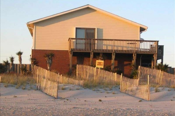 [Image: Direct Oceanfront - wk of 8/10 Reduced $250 - Steps Away from Beach and Pool]