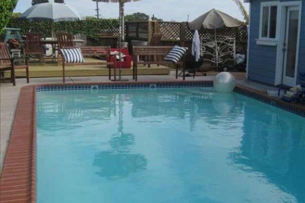 [Image: Beach Cottage with Pool. End of August Special. Call Owner at 858 337-2782.]