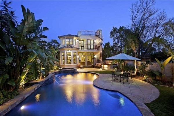 [Image: Elegant Coronado Estate-Luxury Backyard with Private Pool!]