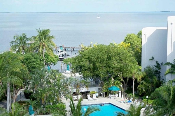 [Image: Luxury Waterfront 3 Bedroom 2 1/2 Bath Condo in the Florida Keys]