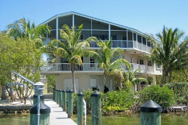 [Image: Elegant Bayfront Key Largo Estate]